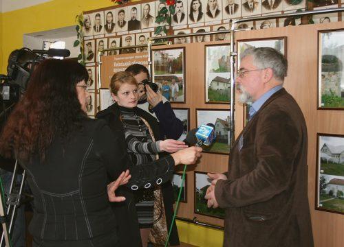 Науково-практична конференція 2010 р. у с. Халеп'я, на фото Михайло ВІдейко