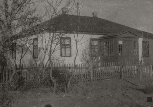 Будівля першого музею у с. Трипілля