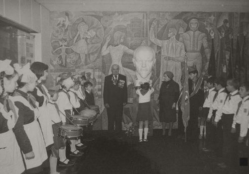 Перший зал музею Комсомольської слави