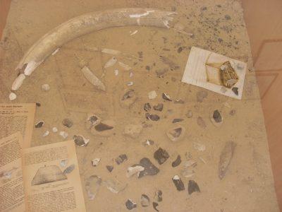 Реконструкція розкопок Кирилівської стоянки у Києві Вікентія Хвойки